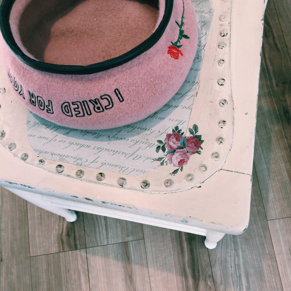 """I CRIED FOR YOU"" BERET(PINK)"