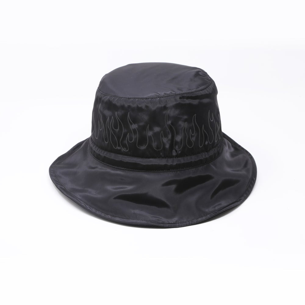 REFLECTIVE FLAME NYLON BUCKET HAT