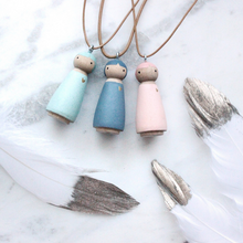 Load image into Gallery viewer, Essential Oil Diffuser Necklace