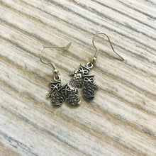 Load image into Gallery viewer, Silver Mitten Earrings