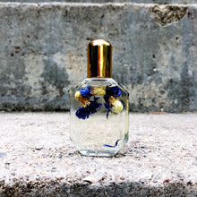 Load image into Gallery viewer, Luxe Perfume Oils
