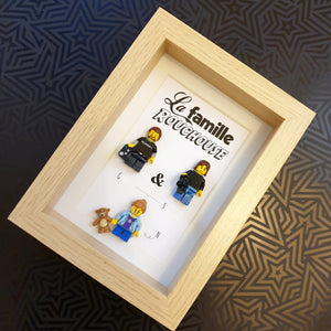A customizable Lego family painting an original and atypical gift