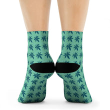 Load image into Gallery viewer, Green Crew Socks - Cannafitshop