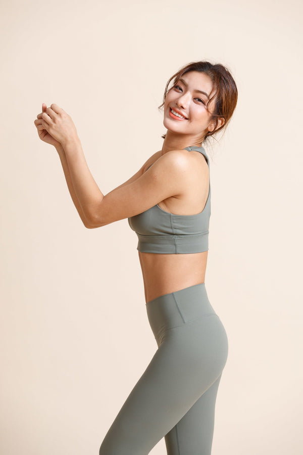 Maximum-support off shoulder Sports Bra -Green