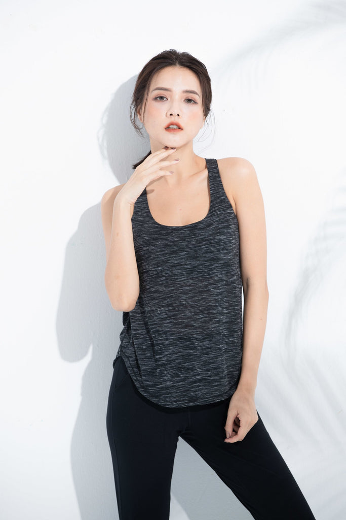 Layered-look Sports Bra -Black - PrettyAim Thailand