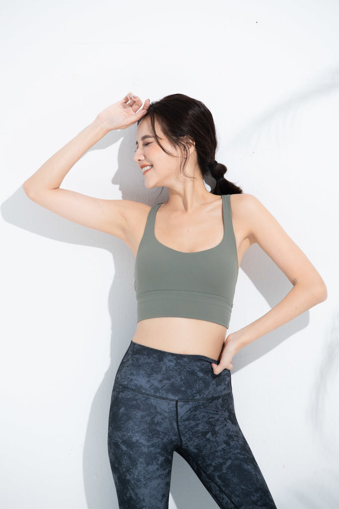 Medium-support Intertwined Sports Bra -Green - PrettyAim Thailand