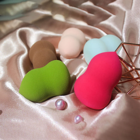 INFALLIBLE MAKEUP BLENDER-PEAR