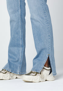 Close up - jeans with slit. Jeans med slits.