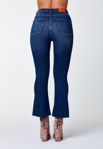 'O-LOVE' CROPPED FLARED JEANS