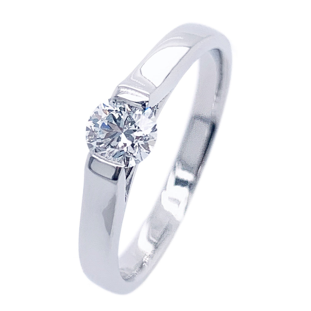 Platinum TRAPEZE Brilliant-cut Diamond Ring