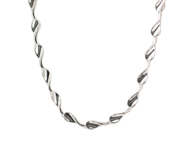 Silver Concave Twist Tear Shape Link Necklace - Andrew Scott