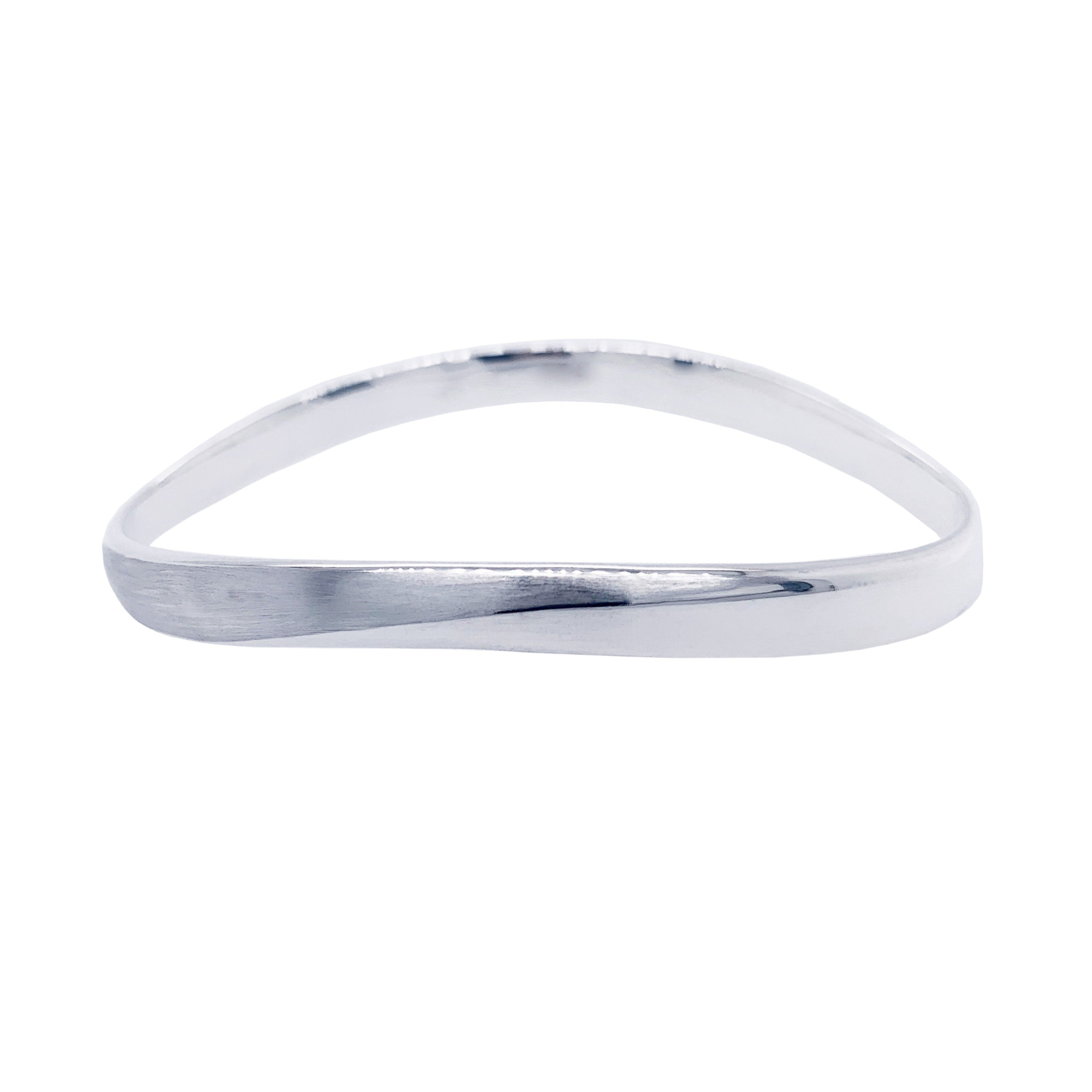 Silver Twisted Curve Oval Bangle