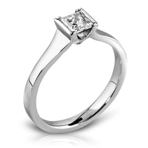 Platinum V-Set Princess-cut Diamond Graduated Shank Ring