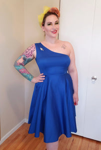 Adrianna Dress in Blue - Vivacious Vixen Apparel