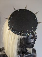Load image into Gallery viewer, Black Spike Round Pillbox Hat