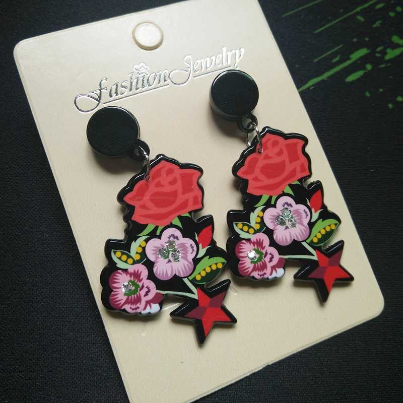 Floral Star Earrings - Vivacious Vixen Apparel