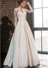 Load image into Gallery viewer, Elegant Sweetheart Satin Wedding Dress