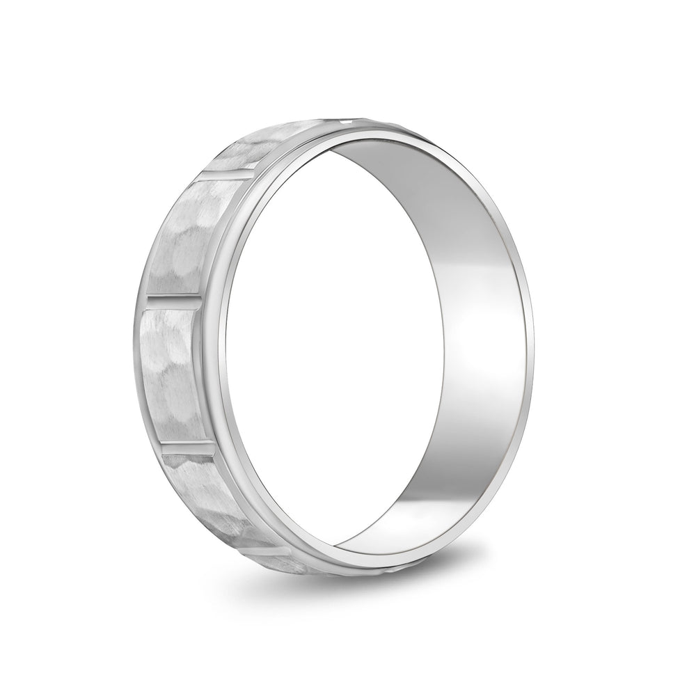 Load image into Gallery viewer, 6mm 18K Gold Brushed Center Hammered Wedding Band