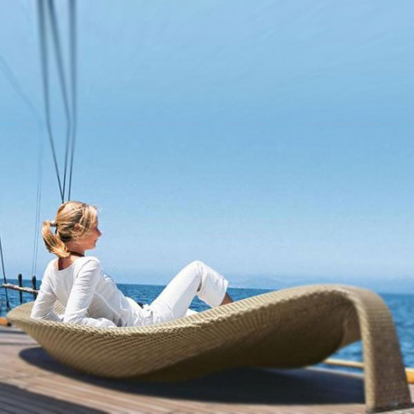 Outdoor Wicker Sun Lounger - Chiller