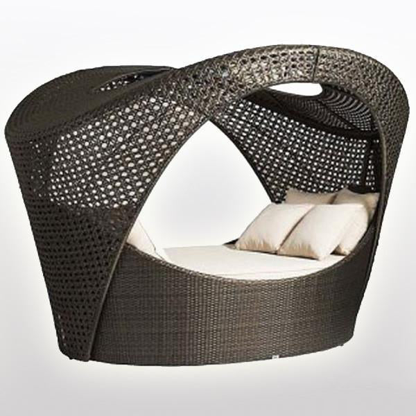 Outdoor Wicker Canopy Bed - Brooklyn