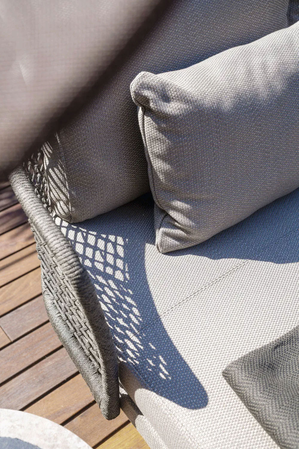 Outdoor Braided & Rope Daybed - Campana