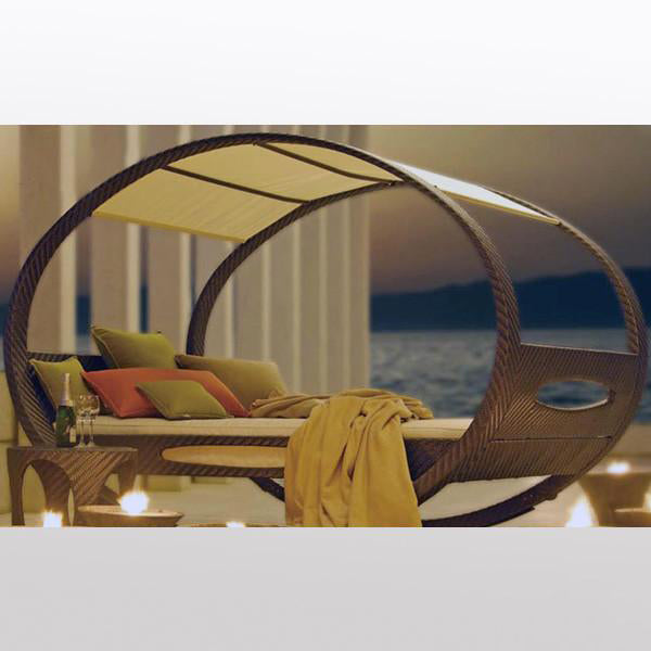 Outdoor Wicker Rocking Day Bed - Canopy