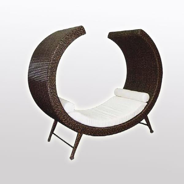 Outdoor Wicker Couch - Merino