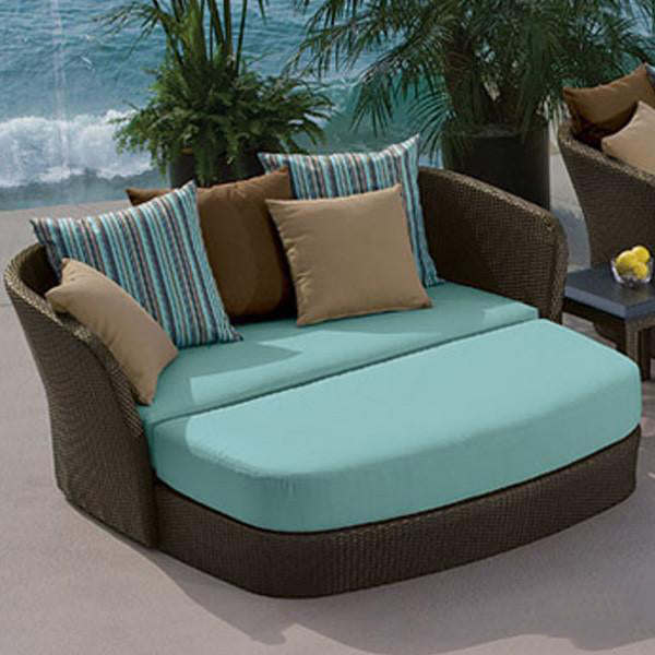 Outdoor Furniture - Day Bed - Opera