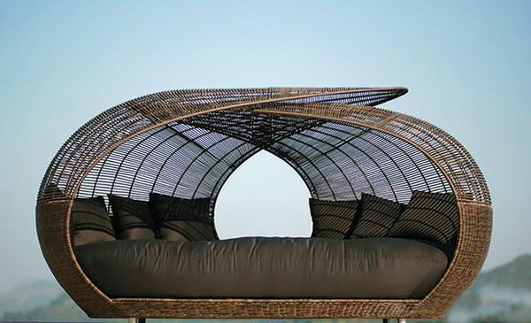 Outdoor Wicker Canopy Bed - Hawa Mahal