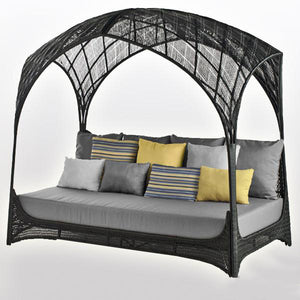 Outdoor Wicker Canopy Bed - Royalty