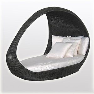 Outdoor Wicker Canopy Bed - River