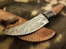 Load image into Gallery viewer, Damascus Steel Knife Fishing/Hunting/camping Tool With rose wood&Black Exotic Sheet Scale - SUSA KNIVES