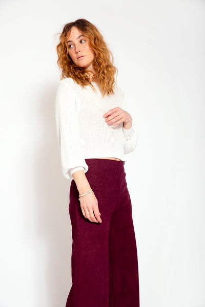 White top with round neckline, long puff sleeves and lurex - and-White,