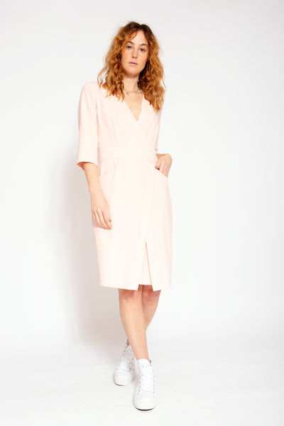 Summer dress with low V-neck - Pink