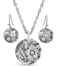 Load image into Gallery viewer, Art of the Buckle Jewelry Set