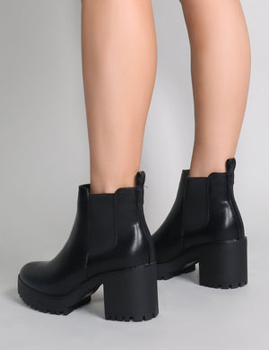 Krissie Heeled Chelsea Boots in Black