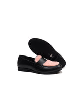 Load image into Gallery viewer, Penny loafer with pink fur in black calf leather