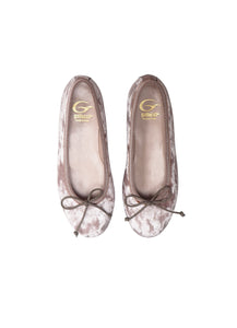 Ballerinas in rose velvet