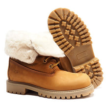 Load image into Gallery viewer, Boots in light brown nabuk with shearling