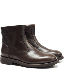 Ankle boots in dark brown calf