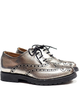 Brogue oxford in black and silver leather