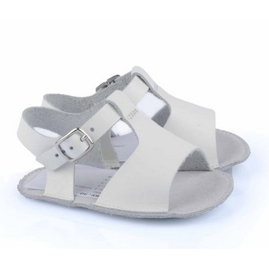 Baby sandals in ecrù leather