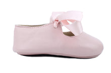 Load image into Gallery viewer, Baby Girls Newborn Shoes in Pink