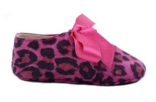 Load image into Gallery viewer, Baby Girls Newborn Shoes in Animalier