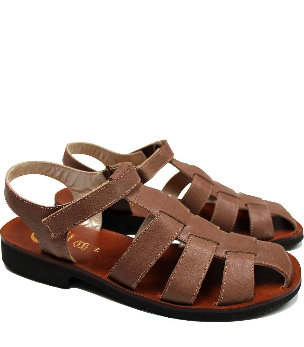 Straps sandals in brown leather