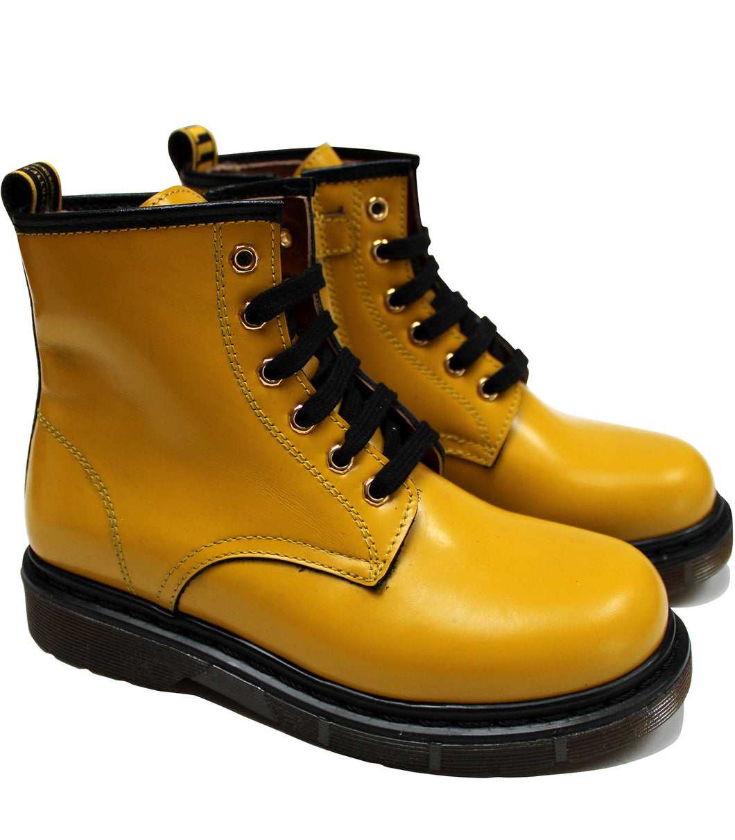 Lace up boots in deep yellow leather
