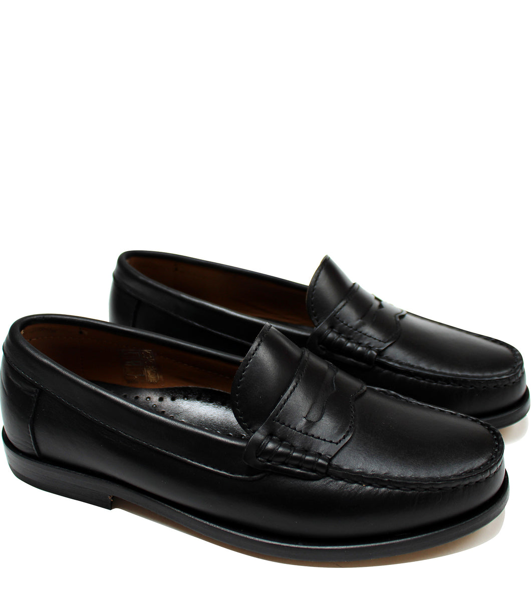 Black loafers in calf leather