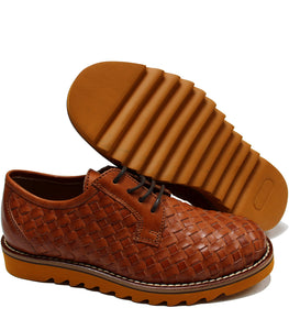 Woven derby in tan leather and chunky rubber sole