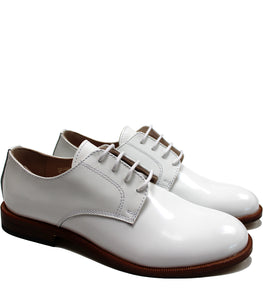 White derby in patent leather