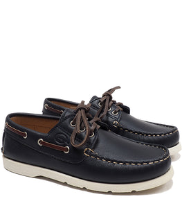 Blue boat shoes in calf leather